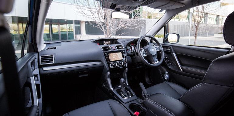 2015-RAV4-CX5-TUCSON-FORESTER-4-car-medium-suv-comparison-39