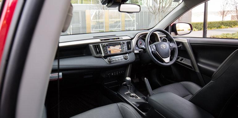 2015-RAV4-CX5-TUCSON-FORESTER-4-car-medium-suv-comparison-74