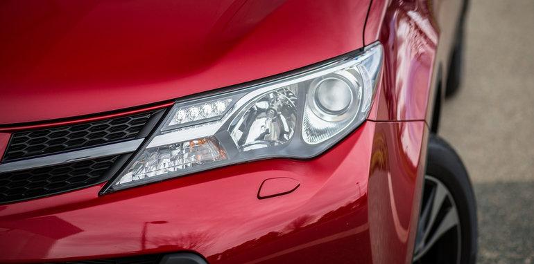 2015-RAV4-CX5-TUCSON-FORESTER-4-car-medium-suv-comparison-87