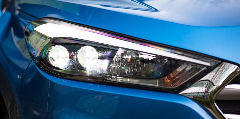 2015-RAV4-CX5-TUCSON-FORESTER-4-car-medium-suv-comparison-97