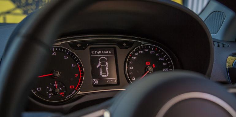 Audi_V_Mini-40