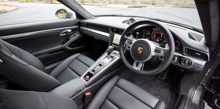 2015-porsche-911-turbo-v-nissan-gtr-comparison-44