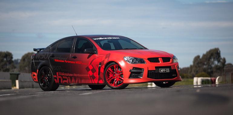 2015-tesla-model-S-p85D-v-v8-supercar-v-walkinshaw-w507-race-4