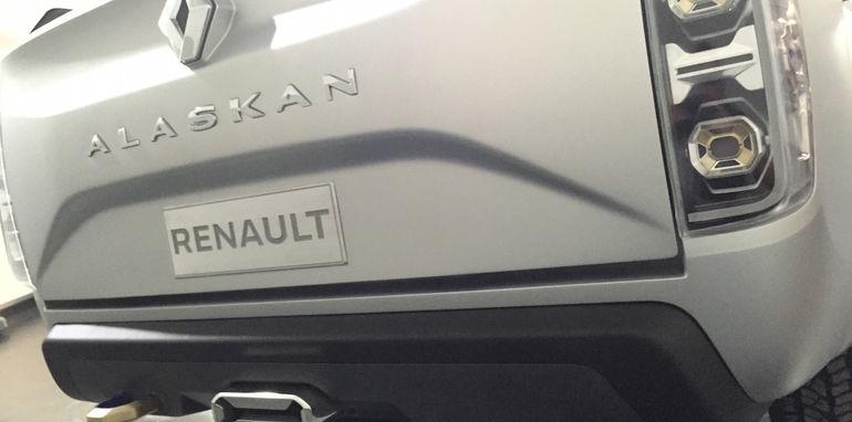 Renault Alaskan5