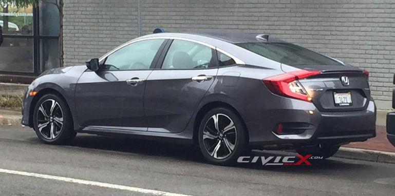honda-civic-sedan-rear
