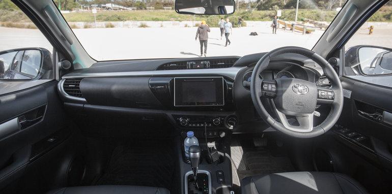 2015-eight-way-dual-cab-ute-comparison-84