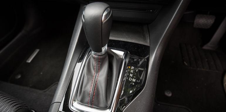 2015-ford-focus-v-mazda3-hatch-comparison-31