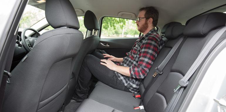 2015-ford-focus-v-mazda3-hatch-comparison-33