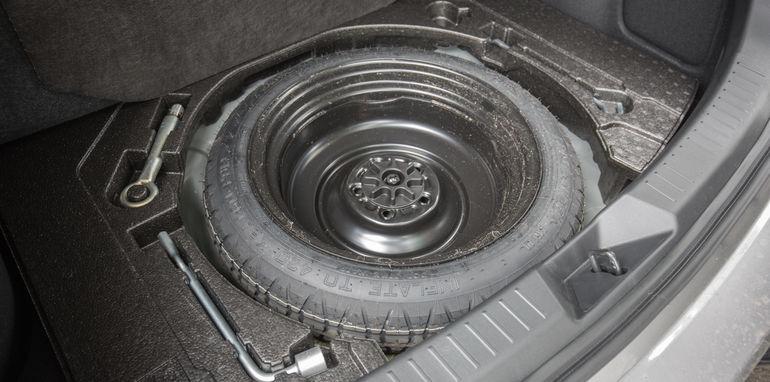 2015-ford-focus-v-mazda3-hatch-comparison-36