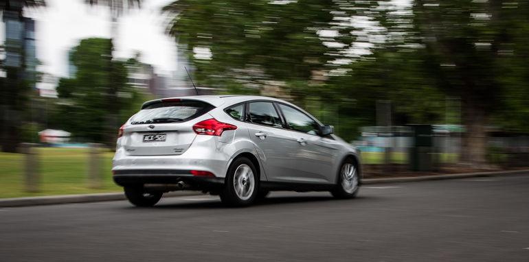 2015-ford-focus-v-mazda3-hatch-comparison-51