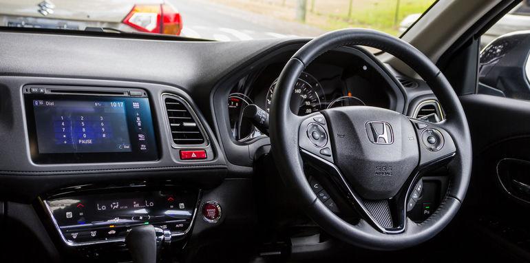 2015 Honda HR-V v 2015 Suzuki Vitara Twin Test-54