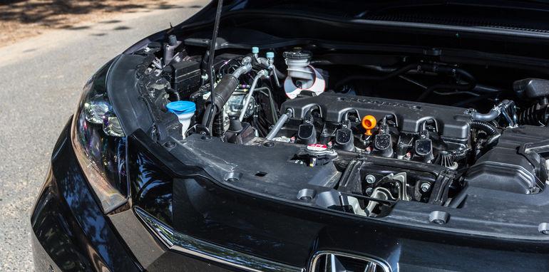 2015 Honda HR-V v 2015 Suzuki Vitara Twin Test-9