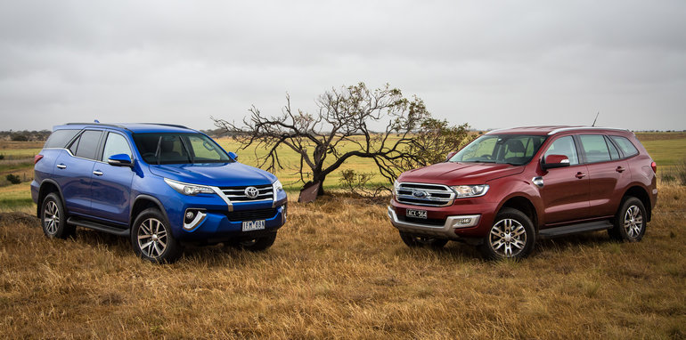 2016-toyota-fortuner-v-ford-everest-comparison-59