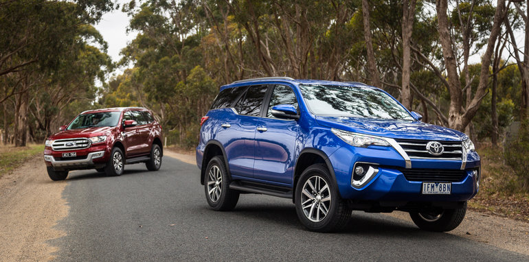 2016-toyota-fortuner-v-ford-everest-comparison-63