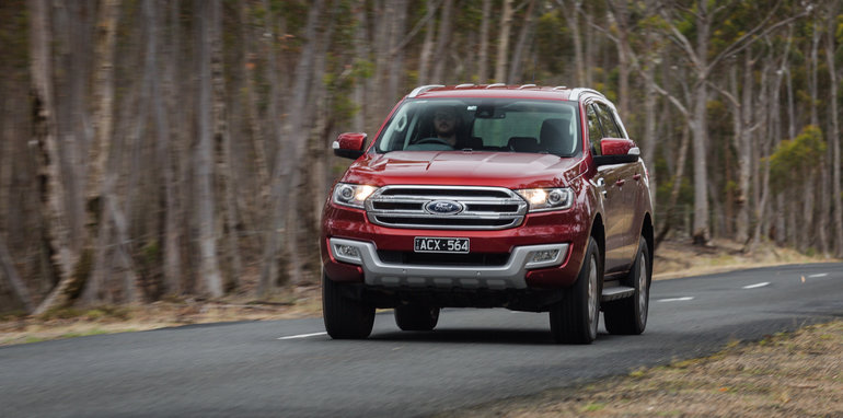 2016-toyota-fortuner-v-ford-everest-comparison-66