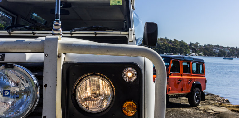 Land Rover Defender 1985 v Defender 2015 110 Series-2