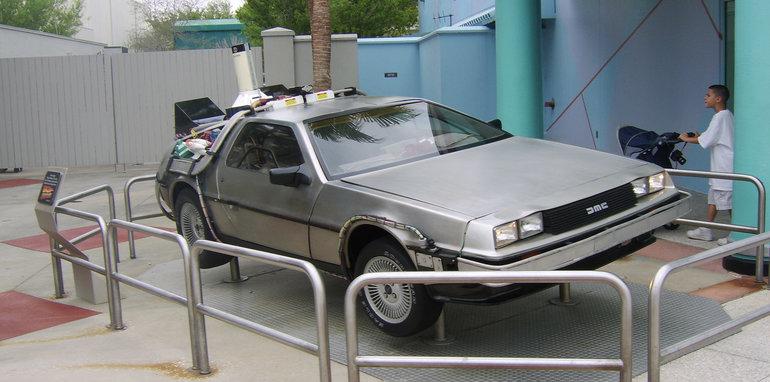 Back_to_the_Future_DeLorean_-_Universal_Studios_Florida