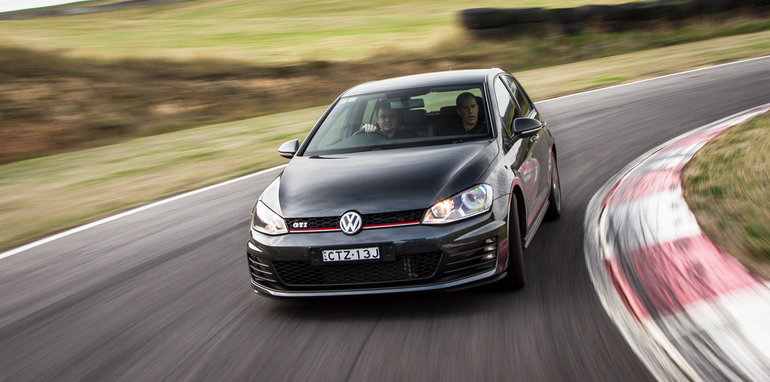 2015-hot-hatch-comparison-hauntedhills-84