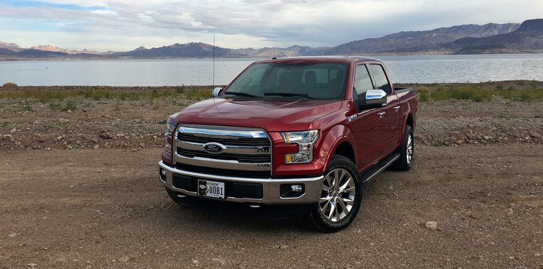 2016 Ford F-150 Lariat US review_24