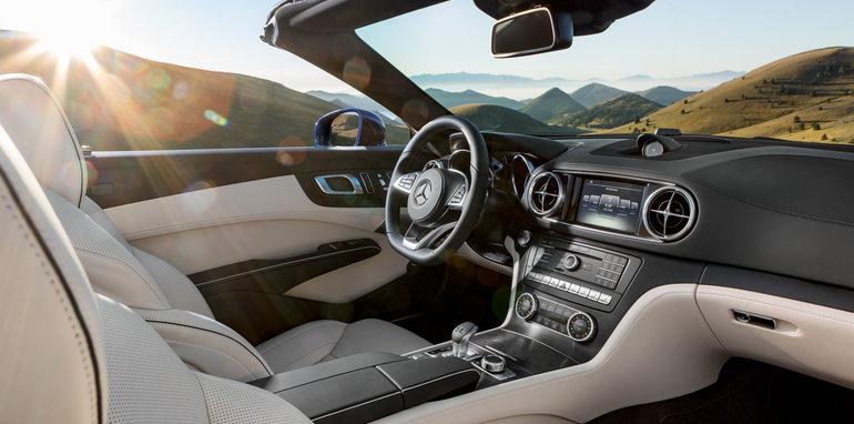Mercedes-Benz SL. Interieur, Nappaleder porzellan / schwarz Mercedes-Benz SL. Interior, nappa leather porcelain / black