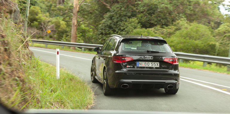 Audi RS3 vs Mercedes-AMG A45 Comparison: Dynamic Test
