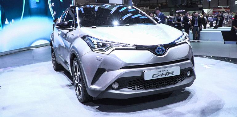 13 Toyota C-HR Concept.00_01_25_00.Still001