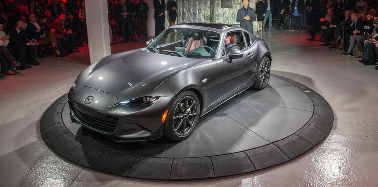 2016_mazda_mx-5-rf_new-york_live_14