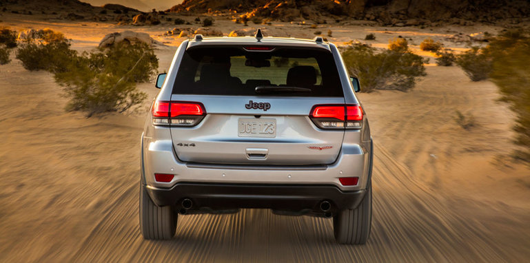 jeep-grand-cherokee-trailhawk-leak-rear