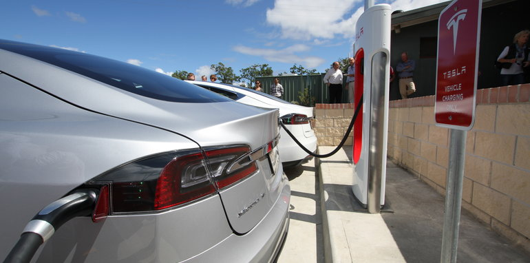 tesla_supercharger_port-macquarie_05