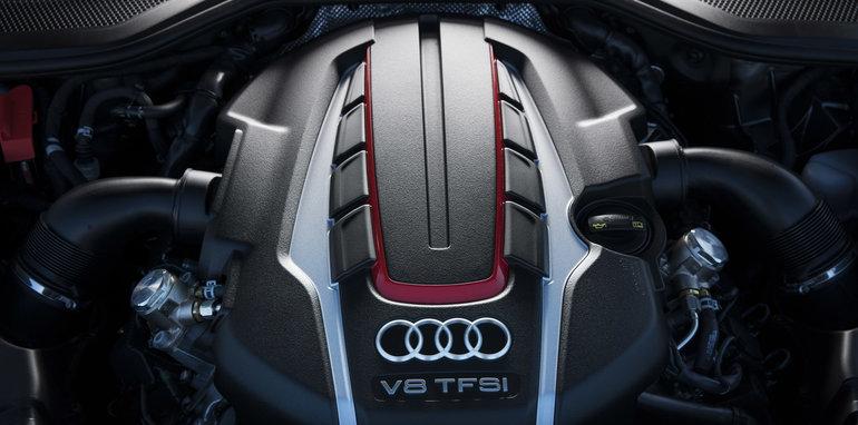 2016-Audi-S8-Plus-23