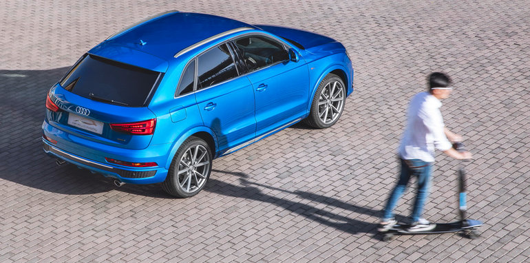 2016-audi-q3-connected-mobility-concept-electric-longboard-02