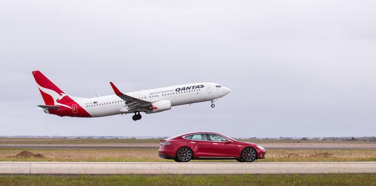 Tesla-Model-S-P90D-QANTAS-737-Drag-Race-5