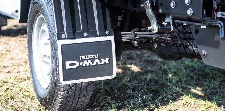 2016 Single-cab ute comparison Isuzu D-Max SX Mazda BT-50 XT Mitsubishi Triton GLX Nissan Navara DX Toyota HiLux Workmate-223