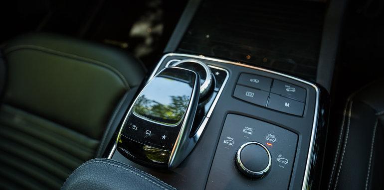 2016-audi-a7-v-bmw-x6-v-mercedes-benz-gle-coupe-comparo-247