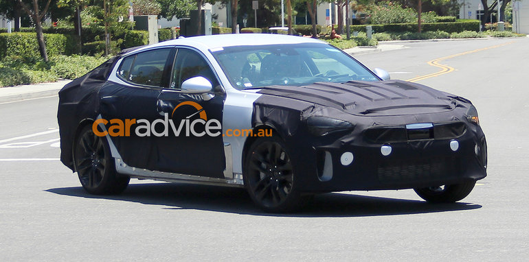2017_kia_gt_spy-photos_04