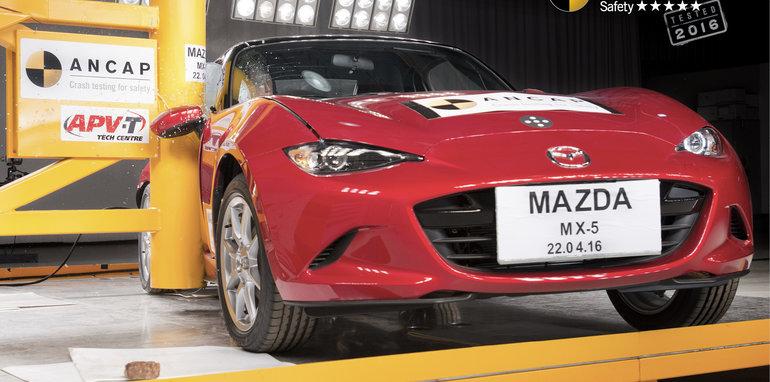 PHOTO - Mazda MX-5 (2016-onwards) pole