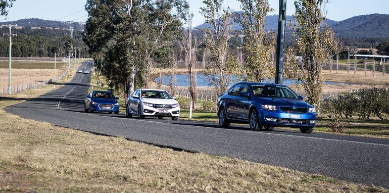 2016 Honda Civic v 2016 Skoda Octavia v 2016 Hyundai Elantra Comparison-132