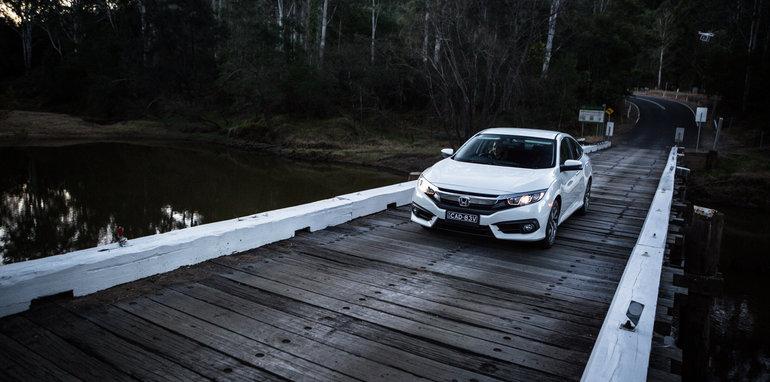 2016 Honda Civic v 2016 Skoda Octavia v 2016 Hyundai Elantra Comparison-173