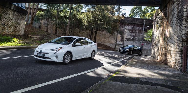 2016 Toyota Corolla Hybrid Toyota Prius Hybrid-55
