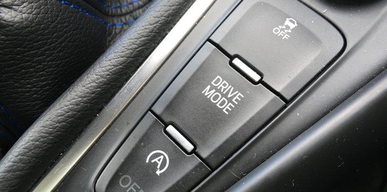 Ford-Focus-RS-Drift-Mode-button - 1
