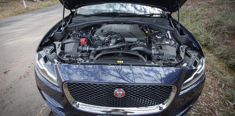 2016 Luxury SUV Comparo_Range Rover Sport V Jaguar F Pace V Porsche Cayenne V Volvo XC90 V BMW X5 V Audi Q7 V Lexus RX350 V Merc GLE250d-162