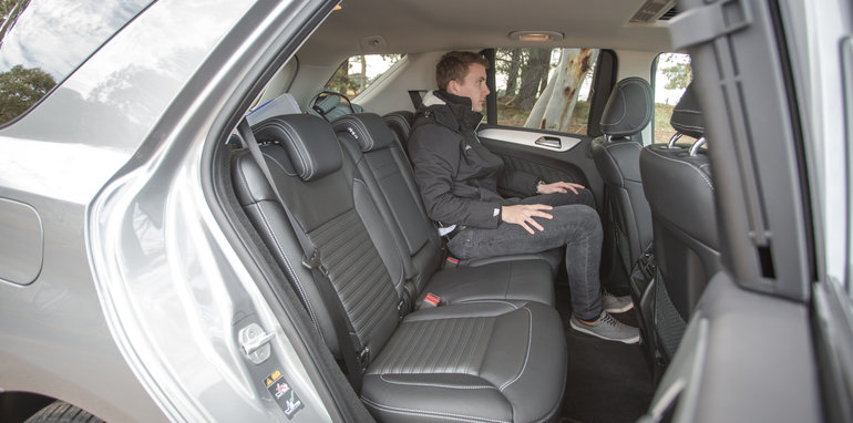 2016 Luxury SUV Comparo_Range Rover Sport V Jaguar F Pace V Porsche Cayenne V Volvo XC90 V BMW X5 V Audi Q7 V Lexus RX350 V Merc GLE250d-176