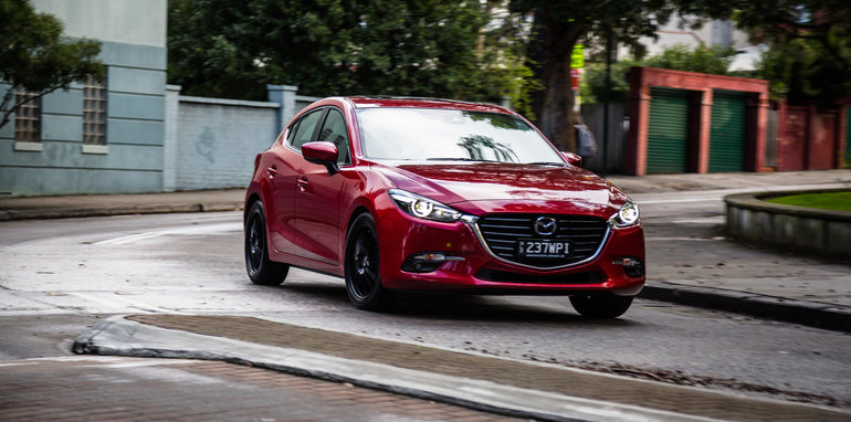 2016 Small Hatch Comparison Mazda 3 SP25 Astina V Volkswagen Golf 110TSI Highline V Hyundai i30 SR Premium-18