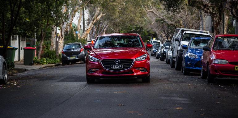 2016 Small Hatch Comparison Mazda 3 SP25 Astina V Volkswagen Golf 110TSI Highline V Hyundai i30 SR Premium-22