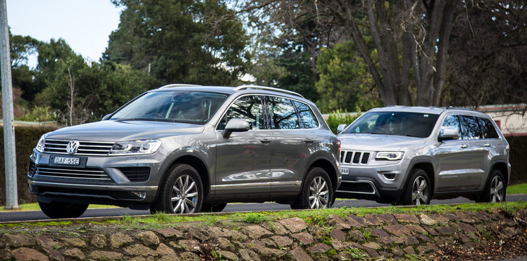 2016-jeep-grand-cherokee-volkswagen-touareg-comparison-58