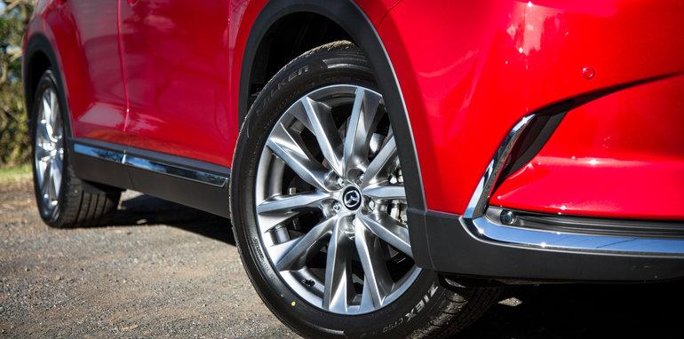 Mazda-cx-9-azami-toyota-kluger-grande-comparison131