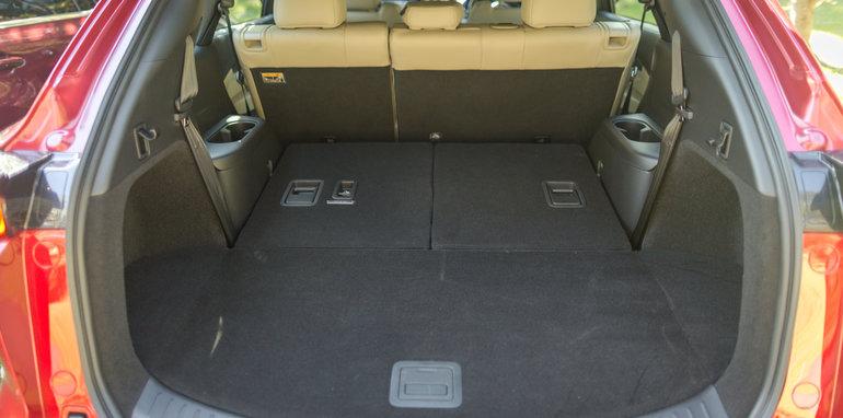 Mazda-cx-9-azami-toyota-kluger-grande-comparison67