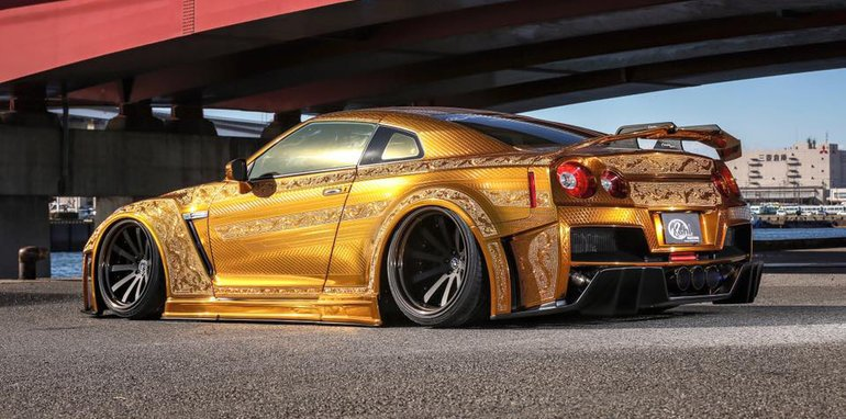 nissan-gt-r_gold-engraved_01