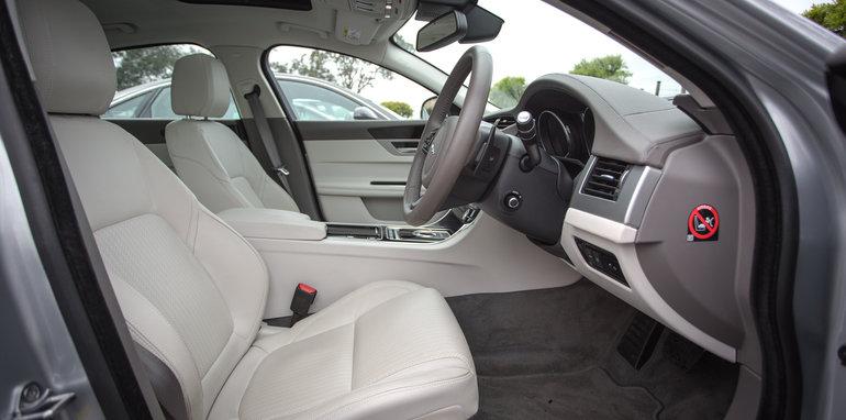 2016-4-car-comparo-bmw-520d-v-merc-e200-v-audi-a6-2-0-tfsi-quattro-v-jag-xf-100