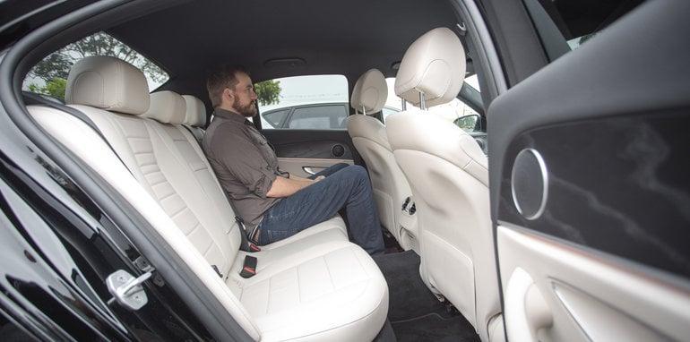 2016-4-car-comparo-bmw-520d-v-merc-e200-v-audi-a6-2-0-tfsi-quattro-v-jag-xf-59